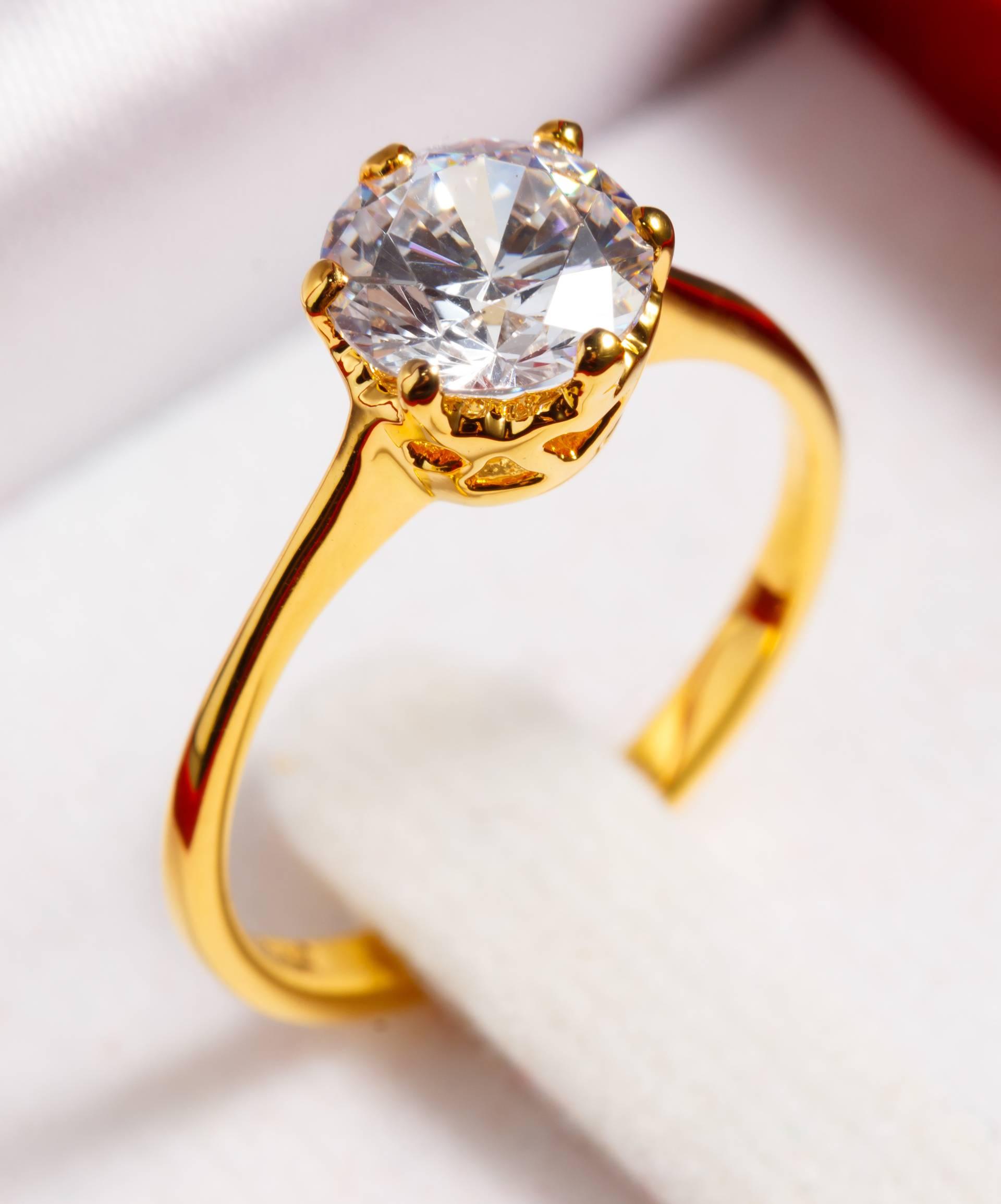 Kako izabrati zaručnički prsten? Neka bude bezvremenskog dizajna, bez previše ukrasa