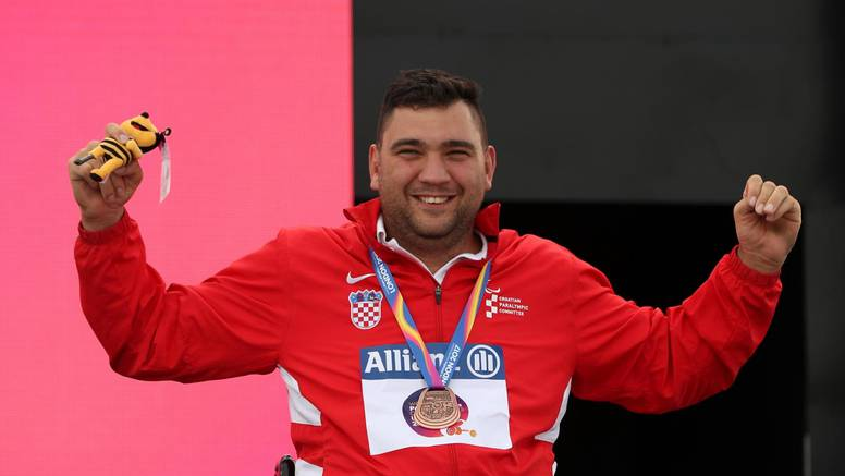 Hrvatska ima prvu medalju na POI: Šandor osvojio srebro!