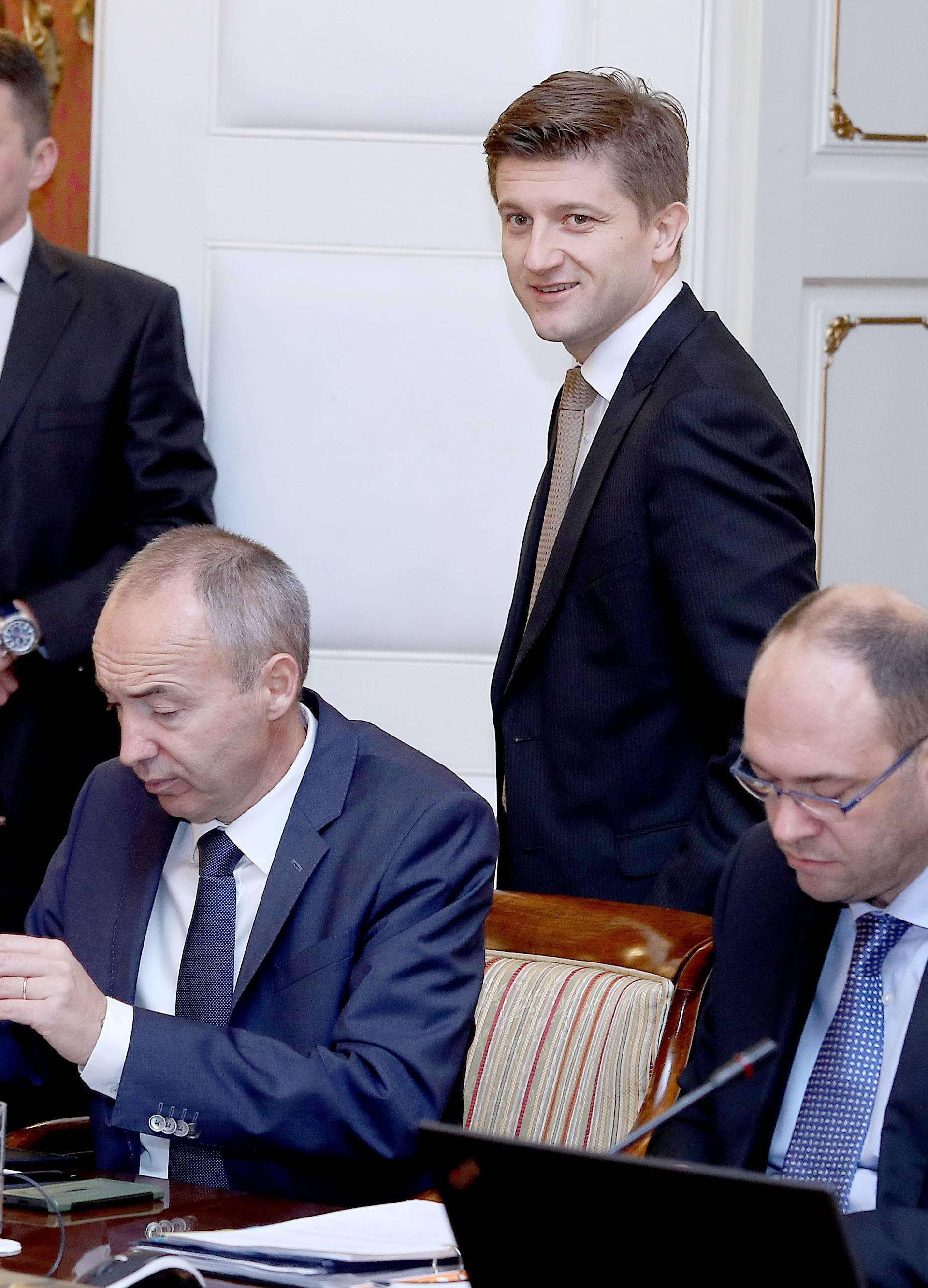 Ministar Marić obećava bolje dane: Iduće godine  rastu plaće