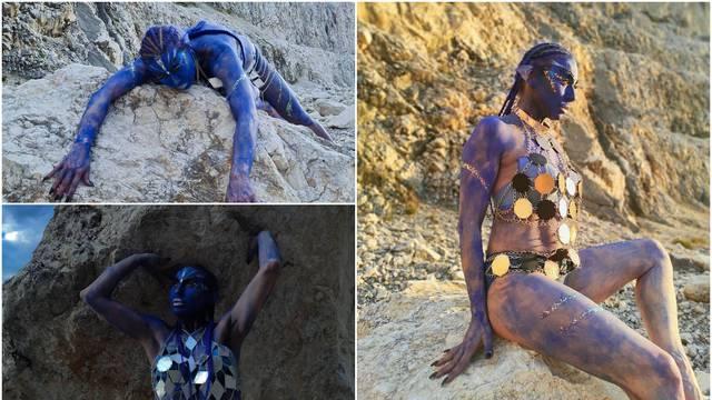 Vampirica je postala Avatarka, Olja fotkama zbunila pratitelje