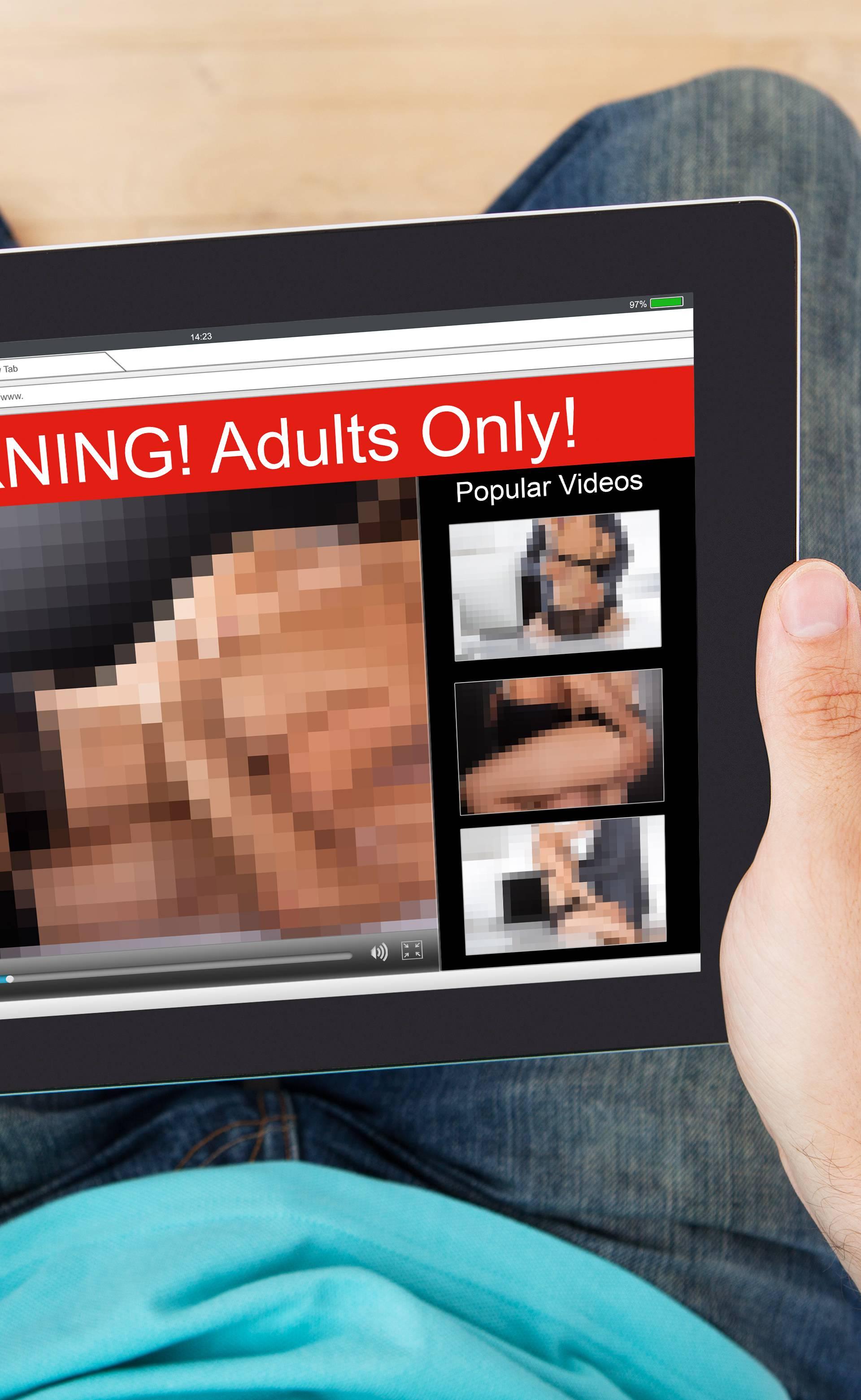 Gluhi muškarac tuži Pornhub jer u videima nemaju - titlove