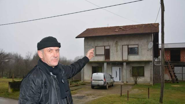 'Kuću treba skroz srušiti. Drugu ću sigurno  graditi od drveta...'
