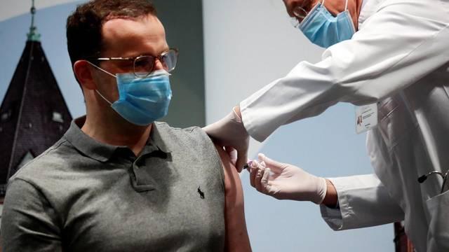 Health minister Jens Spahn gets flu vaccination