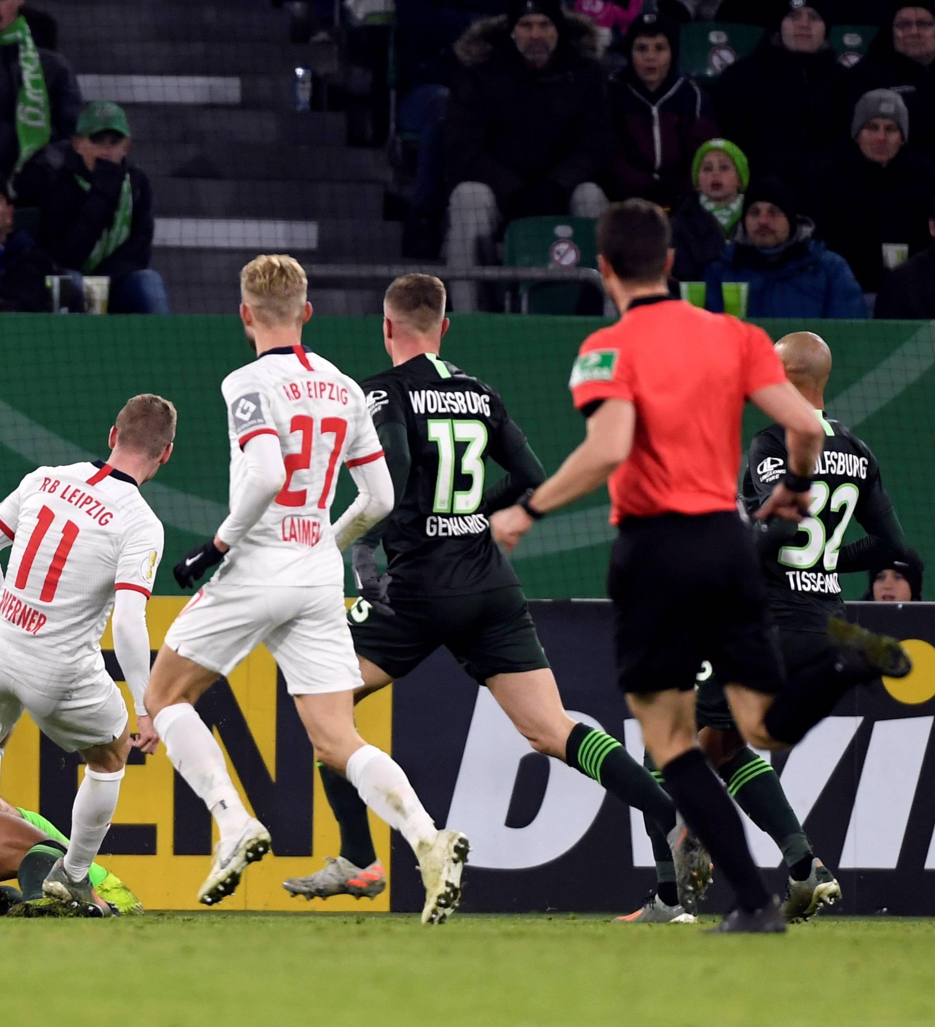 Brekalo i Wolfsburg primili 6 komada, Dortmund prošao...