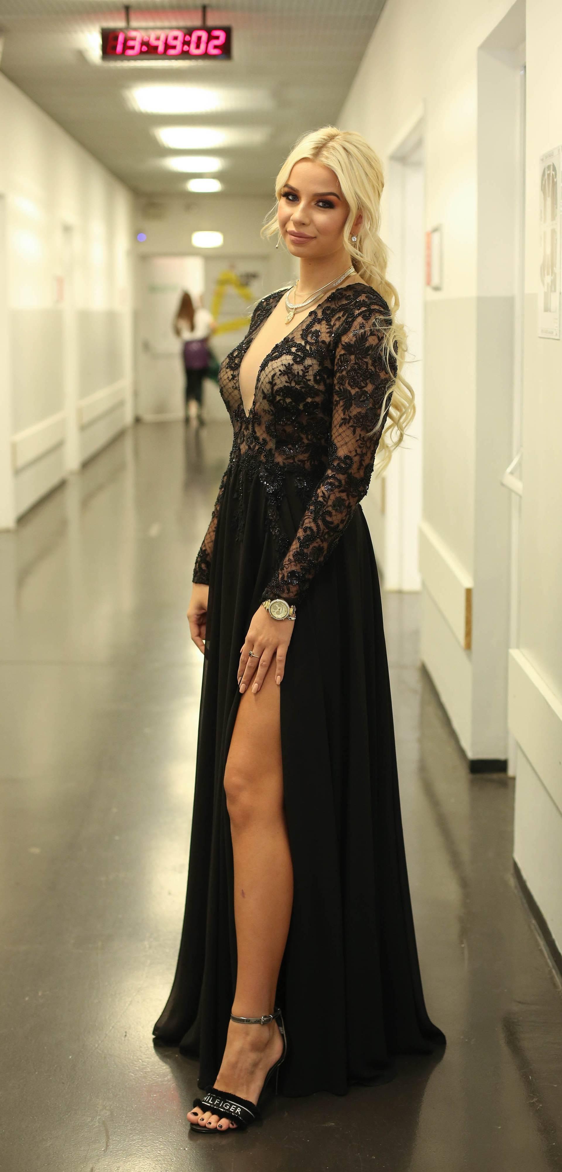 Samo 'naj': Youtuberica (18) nosi haljinu vrijednu 10.000 kn