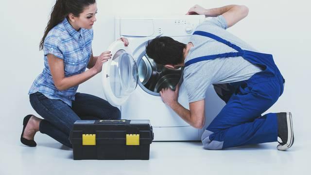 'Ljudi zovu kad im kuhinja ne stigne ni nakon dva mjeseca, a mi ih besplatno savjetujemo...'