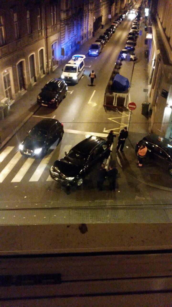 'Čula sam jak udarac': Tramvaj u Ilici udario auto i oštetio ga