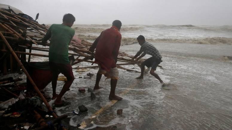 Indija: Ciklon Yaas uništio tisuće domova, zatvorena zračna luka