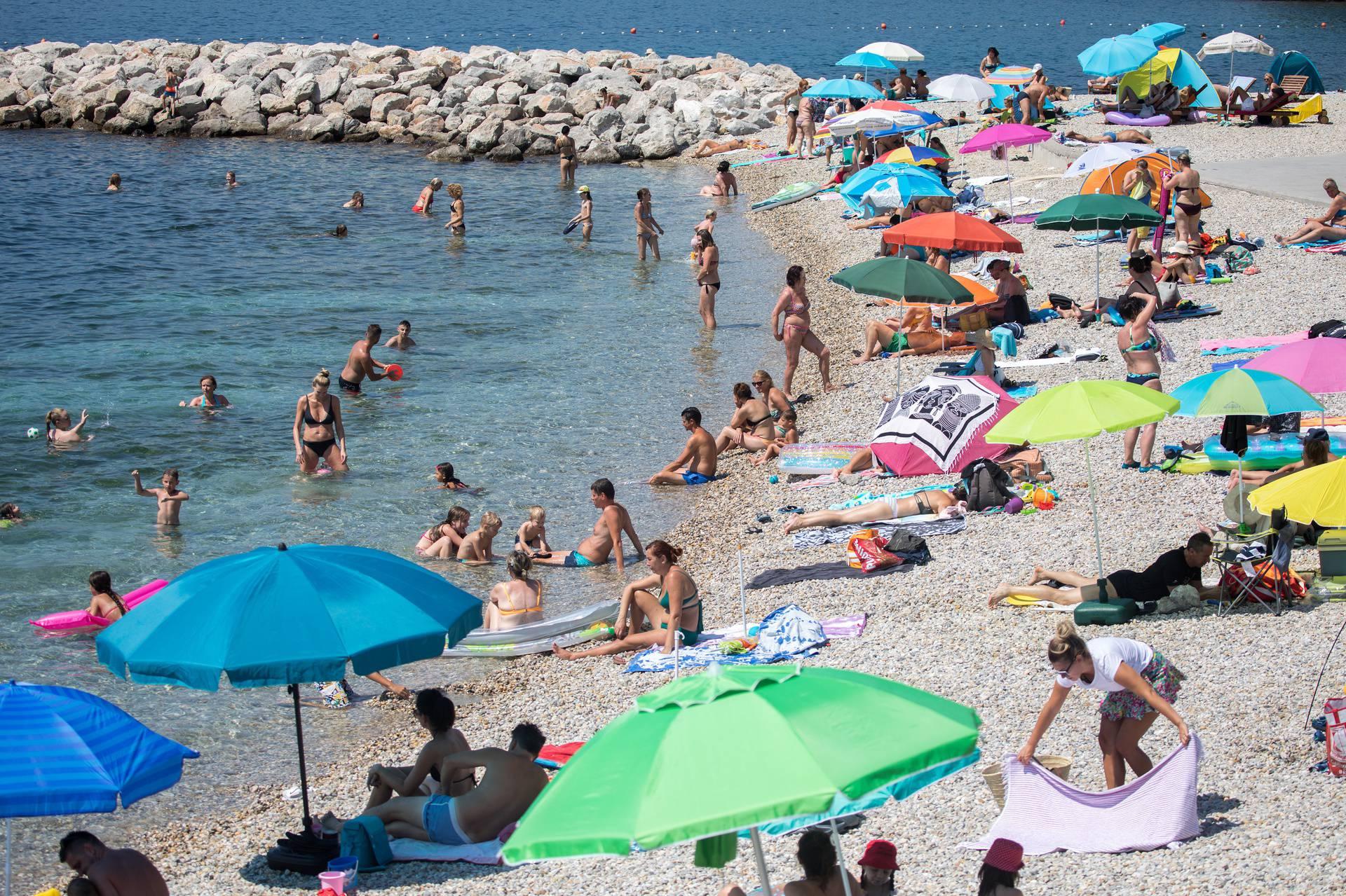 Rijeka: Spas od vrućina na plaži