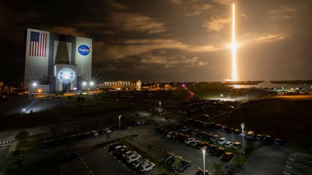 Po prvi put u povijesti u svemir kreće potpuno civilna posada