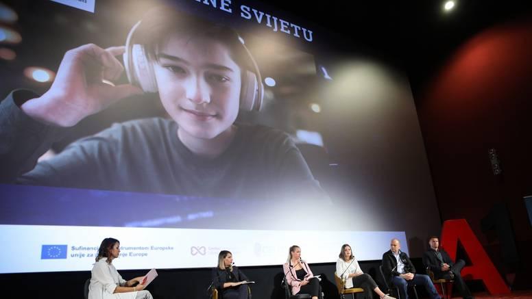 Koliko su djeca izložena štetnim sadržajima i uznemiravanju? I Hrvatska u velikom istraživanju