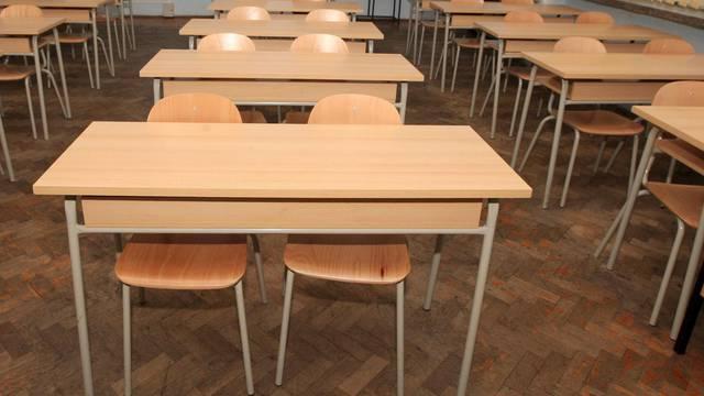 Zagrebački srednjoškolci se od ponedjeljka vraćaju  u škole