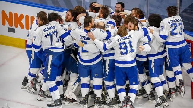 U NHL-u otkaz trenerima koji se nisu htjeli ili nisu smjeli cijepiti!