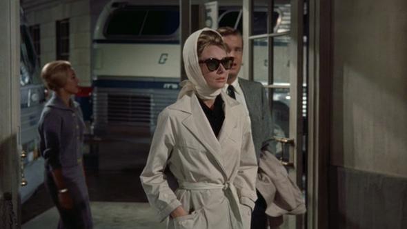Živio je u dvorcu i bio plemić, a Hepburn mu je bila inspiracija