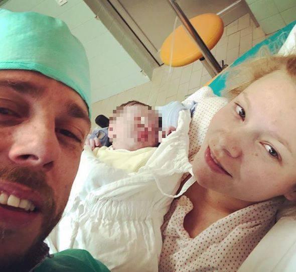 Svizac postao tata: Proširena obitelj odmah 'opalila' selfie