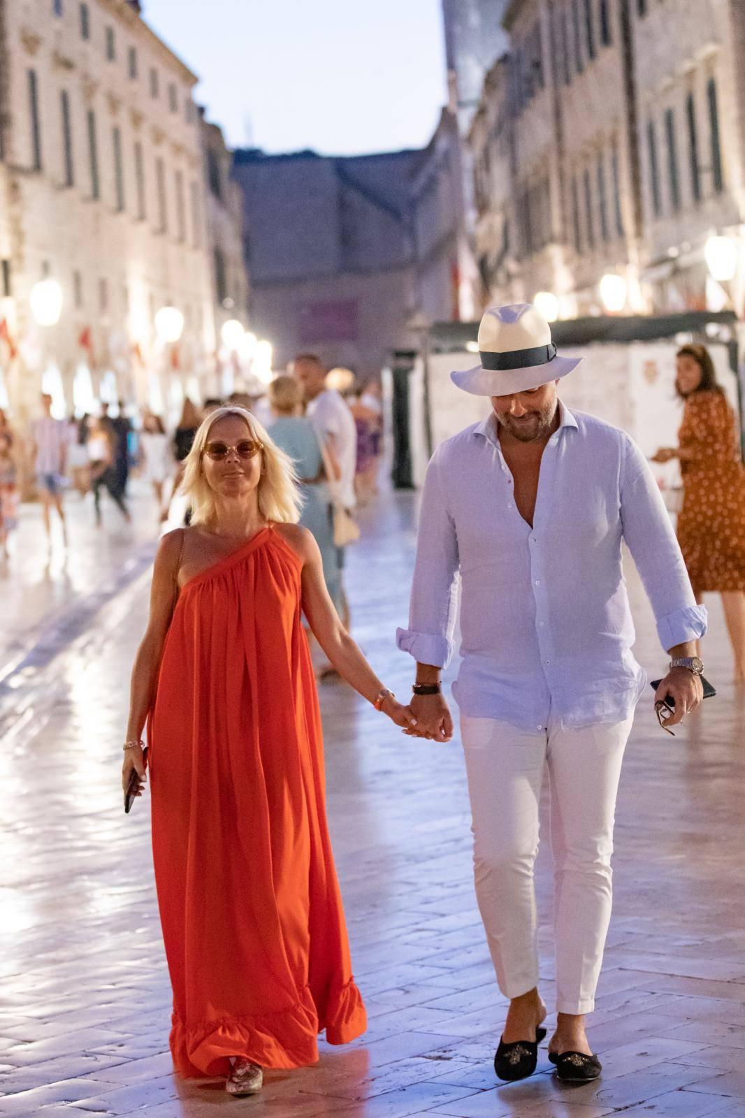 Dubrovnik: Maja Šuput Tatarinov i suprug Nenad u šetnji Stradunom