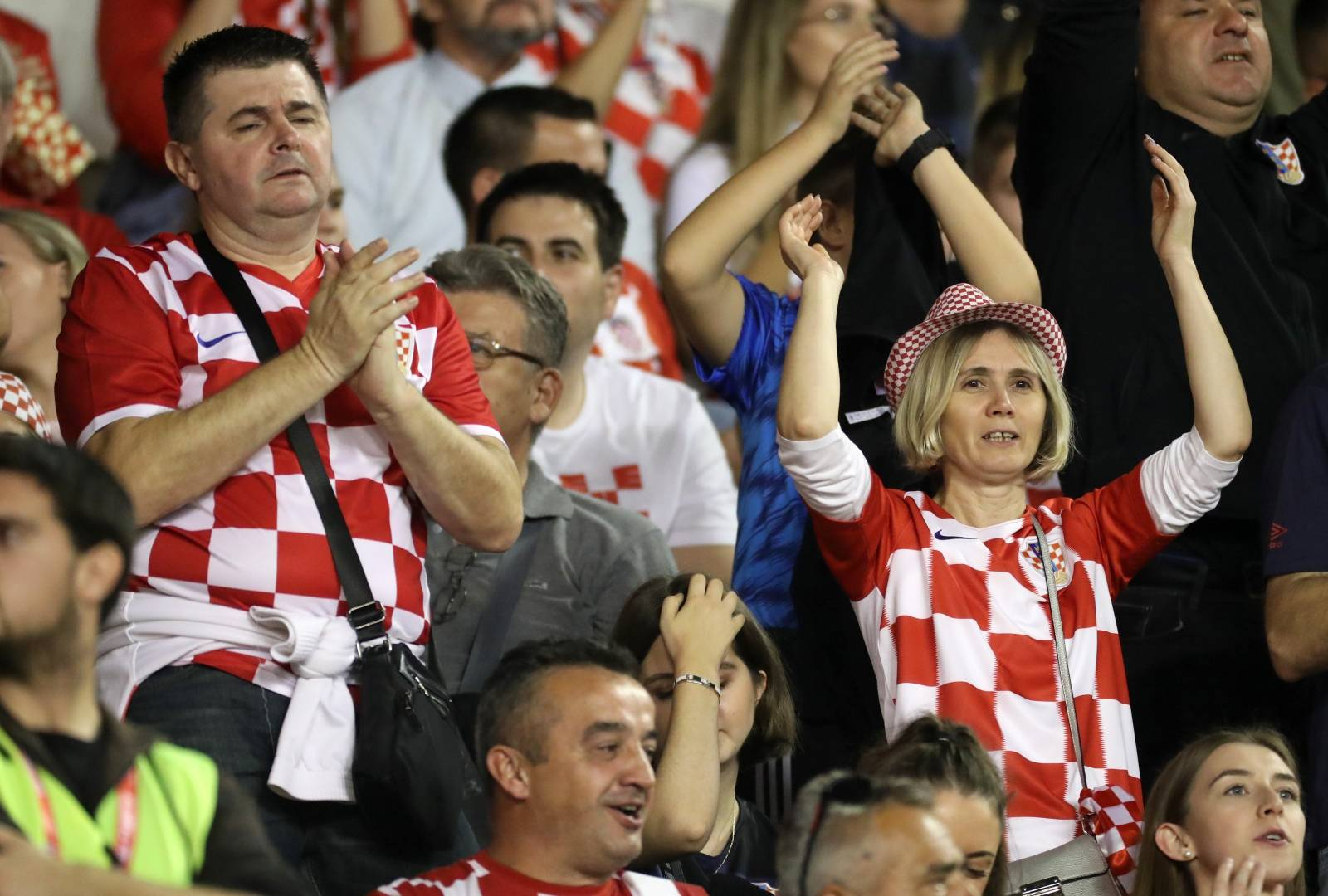 Split: Obitelj Zlatka Dalića i navijači na tribinama na utakmici Hrvatska - Mađarska na Poljudu