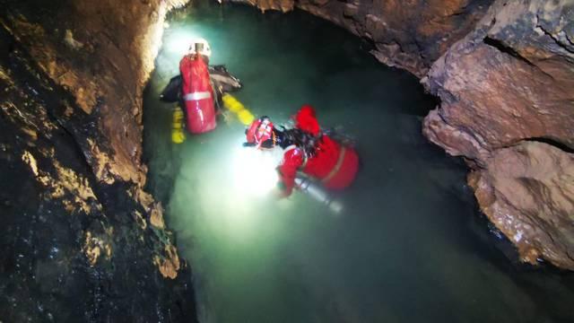 Međunarodna ekspedicija u jami Nedam zaronila do 1250 m i pronašla drugu jamu?