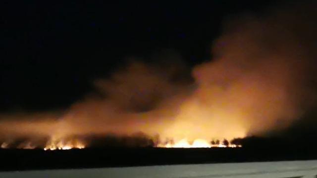 Buknuo požar kod autoceste A1: Gorjela je trava i nisko raslinje