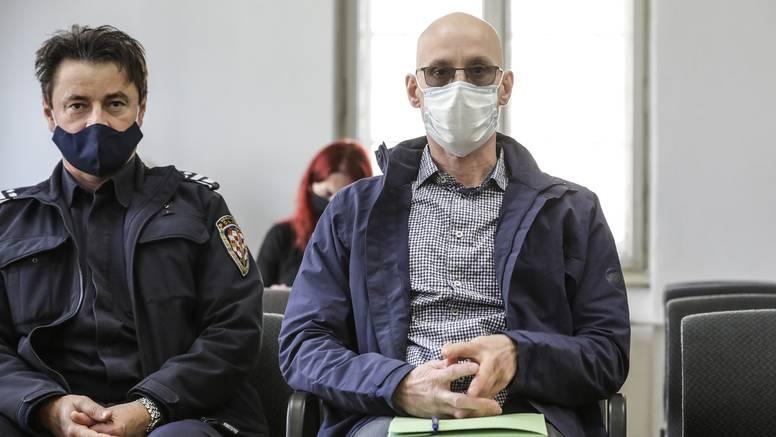 Bivši vojnik optužen za ubojstvo bankara tvrdi da nije kriv, psihijatrijski će ga vještačiti