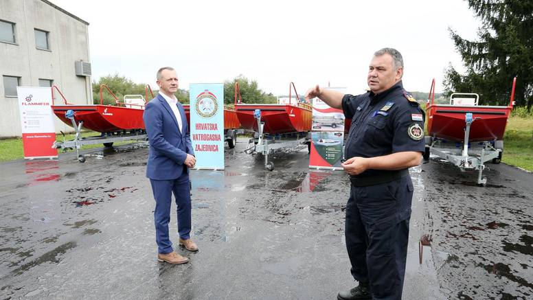 Stigla nova oprema: Karlovački vatrogasci dobili su čamce...