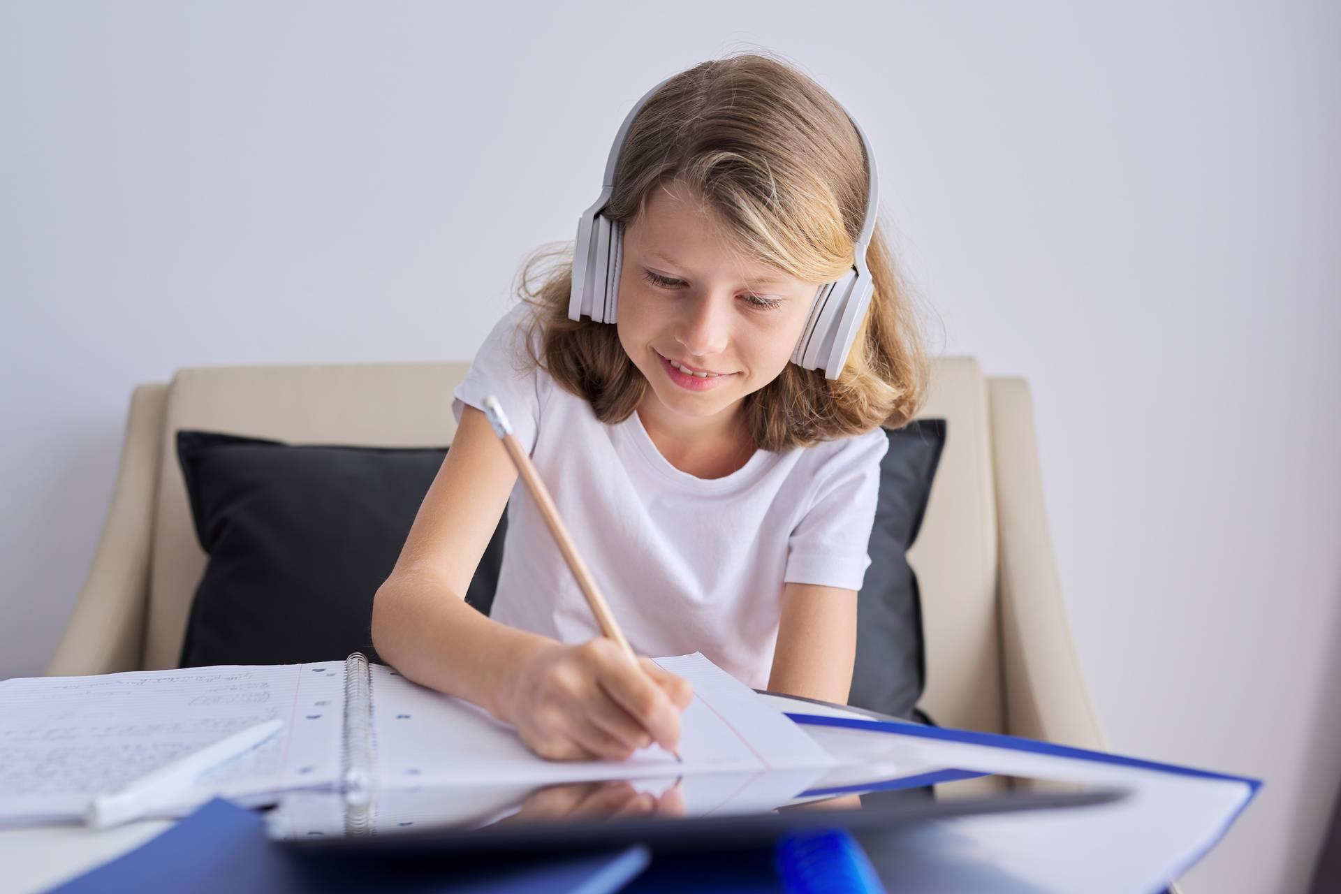 6 načina da motivirate dijete na online učenje: Uz pauze i poticaj ono će učiti sve samostalnije