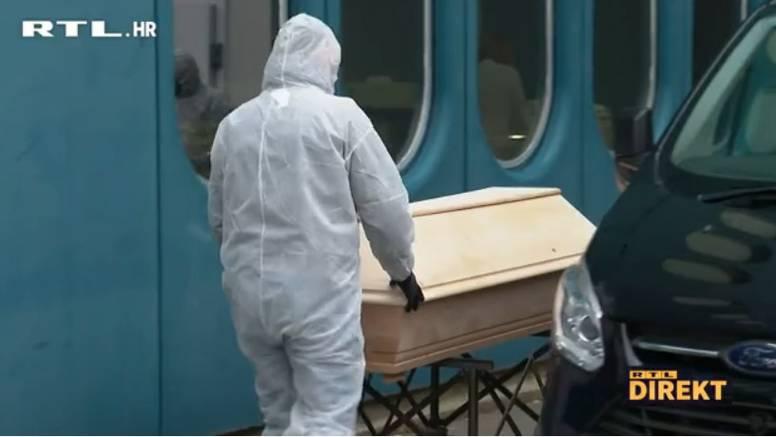 U danu preminula 24 pacijenta, snimili lijesove pred Dubravom. 'Nismo navikli na ovoliko smrti'
