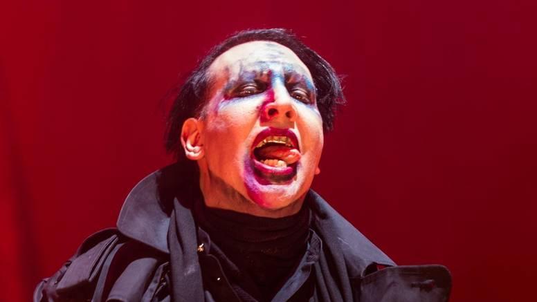 Manson je 2015. publici čitao pisma bivših o zlostavljanju