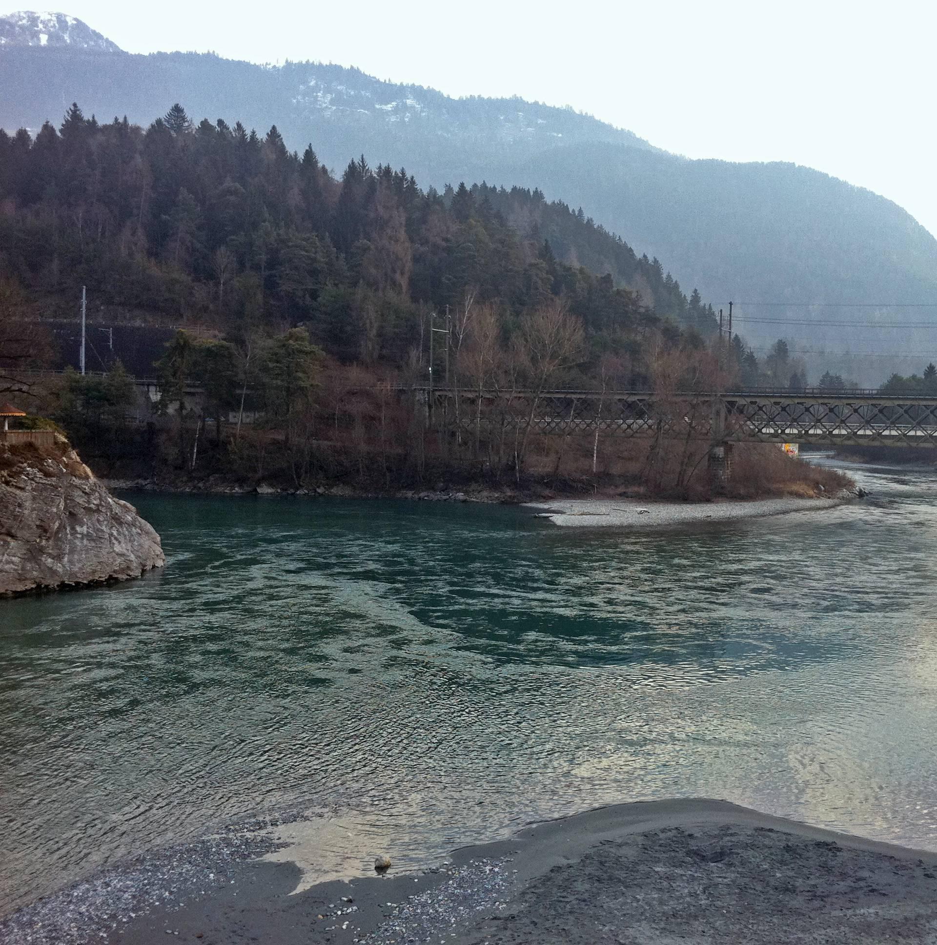 Prevrnuo se čamac na Rajni: Među poginulima i curica (3)
