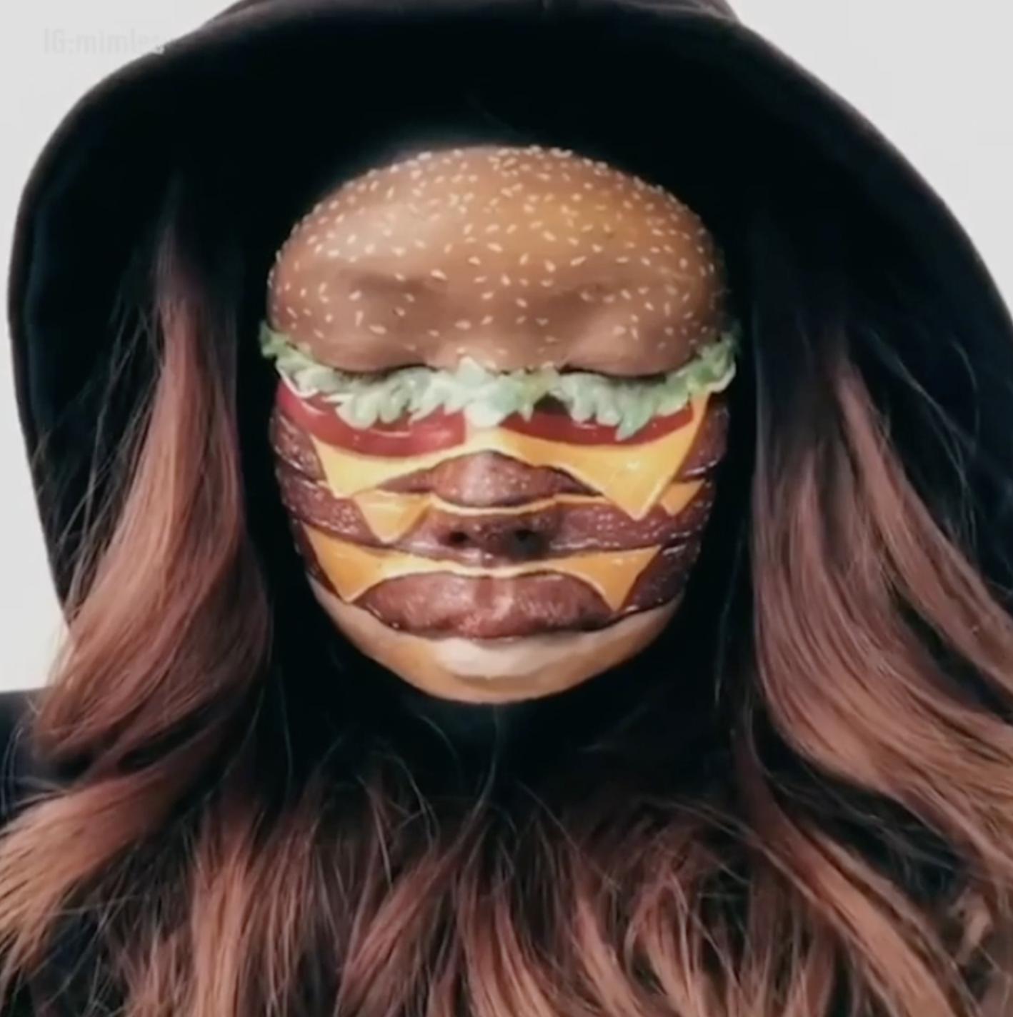 Kanađanka svoje lice pretvara u hamburger, a prste u pomfrit