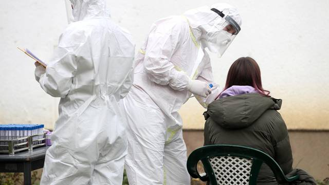 Zagreb: Počelo antigensko testiranje testiranje u srednjim školama