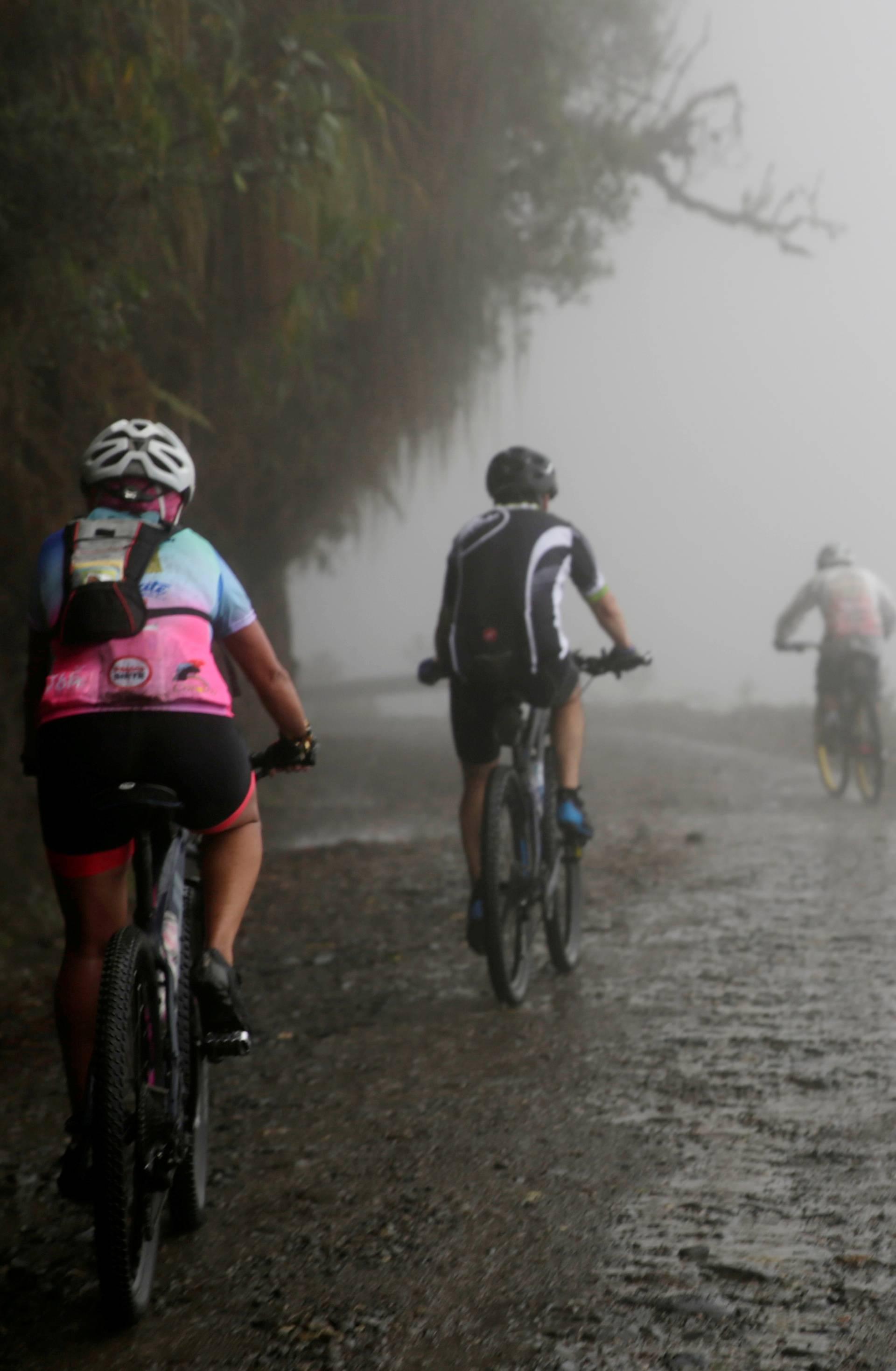 Neustrašiva baka (70) biciklom pokorila bolivijsku Cestu smrti