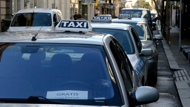 Evo kako se u Irskoj policija nosi s taksistima mudrijašima