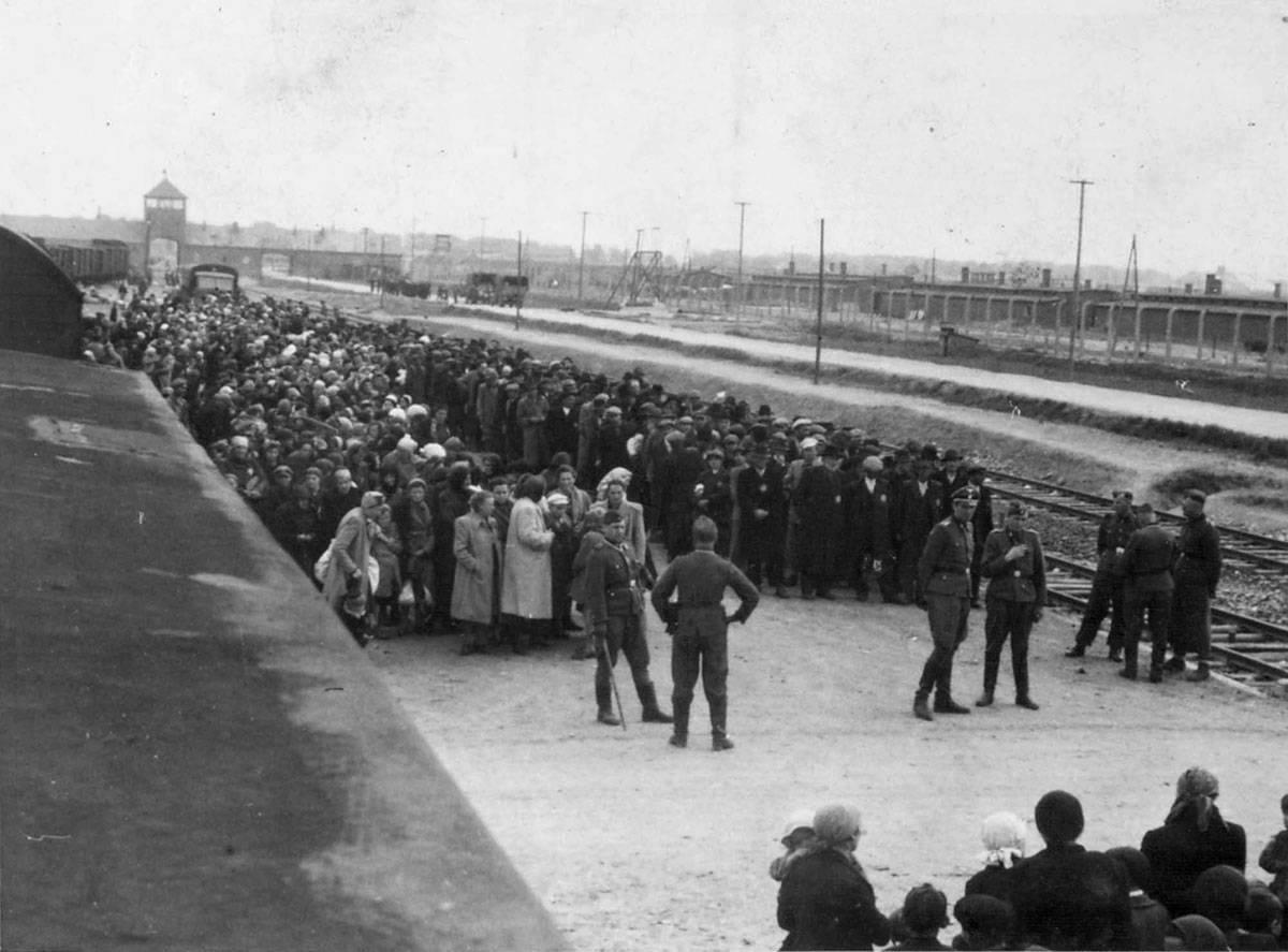 Nitko nije htio bombardirati Auschwitz. Pitanje je - zašto?