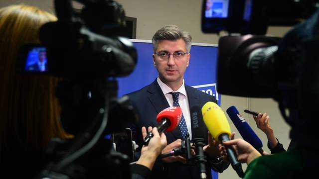 Zagreb: Plenković se obratio medijima nakon sjednice u središnjici HDZ-a