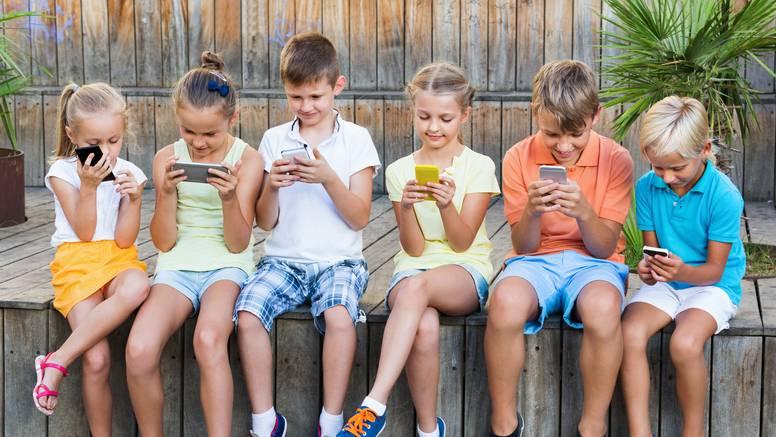 Slovenski liječnici: Djeca od 10 do 12 godina najviše sat i pol na dan smiju biti pred ekranima