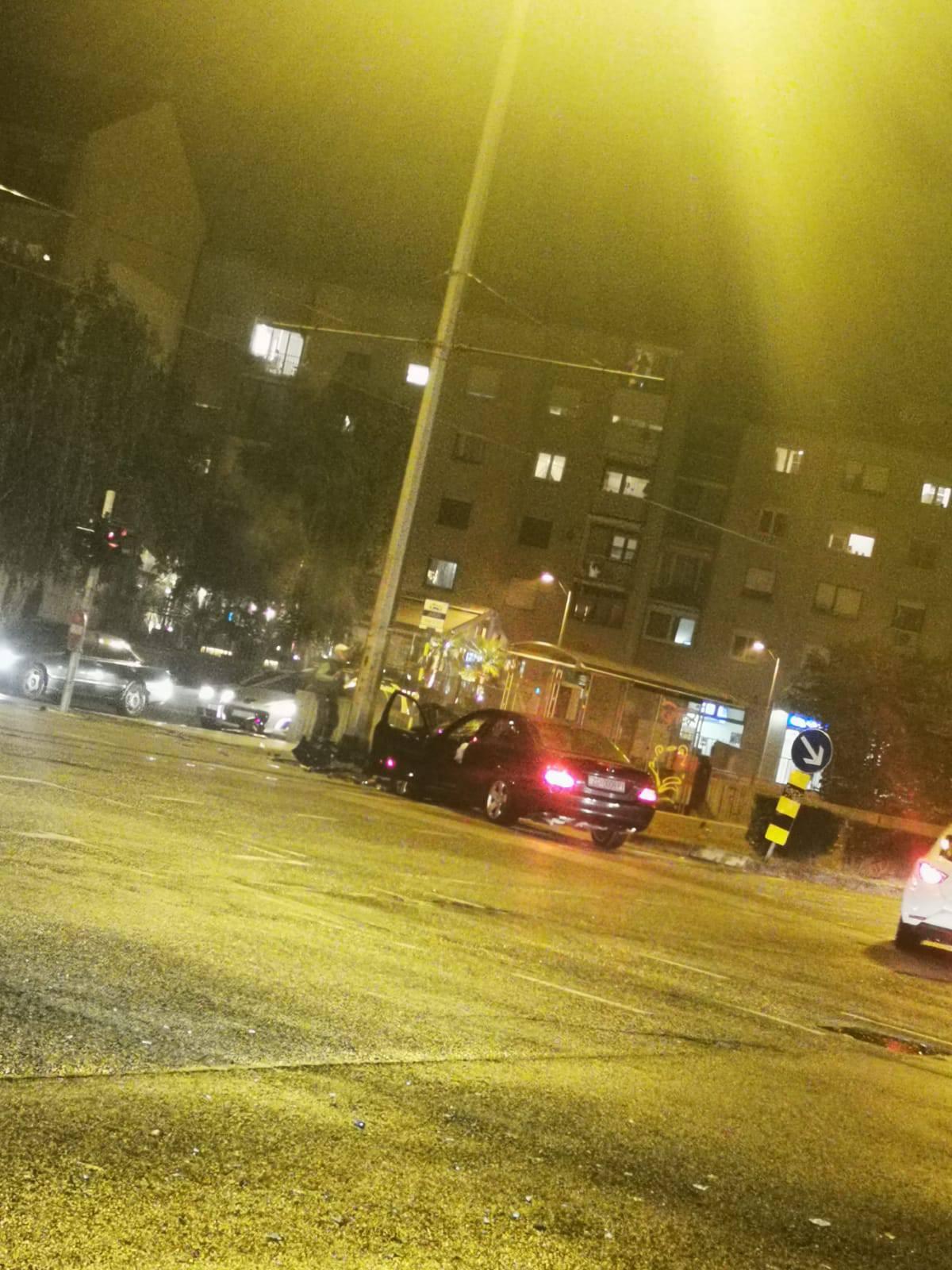 Vozač je ozlijeđen: 'Čuo sam jak udarac, Mercedes je bio slupan'