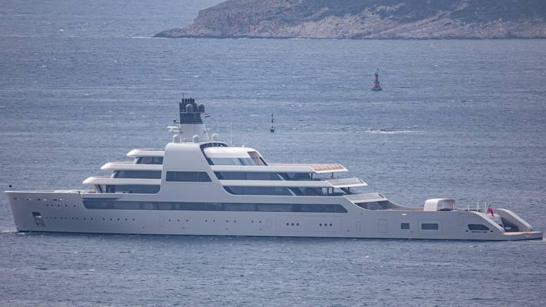 Nova Abramovičeva megajahta uplovila u hrvatske vode: Košta 610 mil. dolara, a duga je 140 m