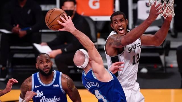 Spursi iz trećeg pokušaja slavili protiv Lakersa, Dončić bolji od Jokića u 'balkanskom dvoboju'