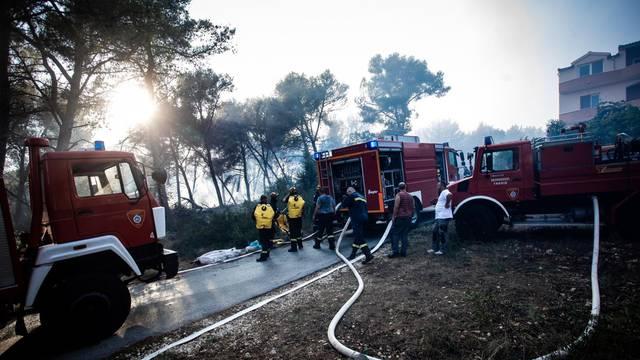 Vatrogasci gase pozar koji je u popodnevnim satima buknuo na Čiovu