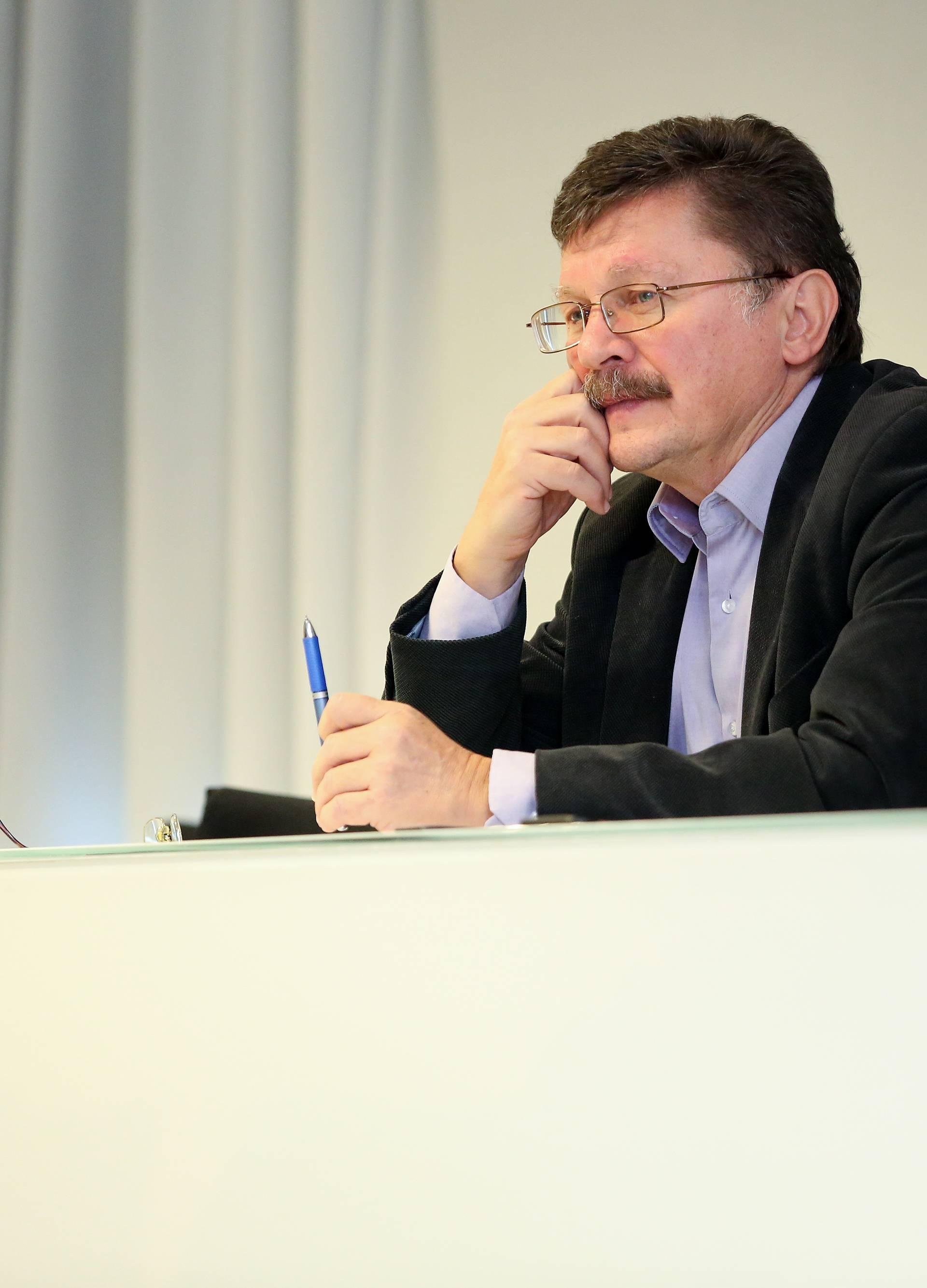 Zagreb: Na konferenciji za medije SHU i NSZSŠH najavljen prosvjed učitelja za ponedjeljak