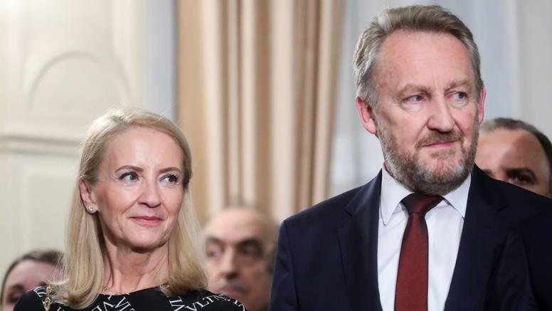 Afera sa Sebijom Izetbegović se nastavlja: Asim Kurjak  kaže da ona kod njega nije doktorirala