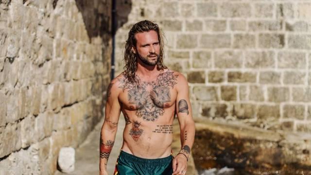 Luka Nižetić objavio je fotke bez majice i oduševio figurom