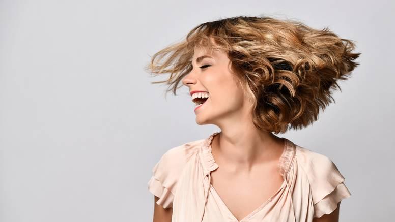 Valovi u kosi: Uvijek moderna frizura koja prkosi trendovima