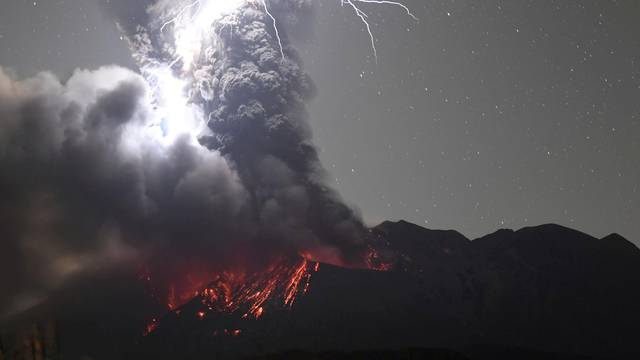 Volcanic lightning at Mount Sakurajima