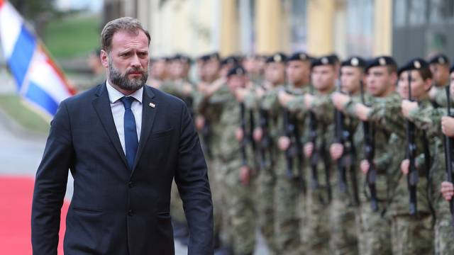 Zagreb: Svečana prisega 18. naraštaja kadeta Hrvatske vojske