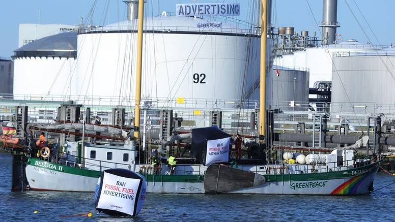 Greenpeace blokirao ulaz u Shellovu nizozemsku rafineriju