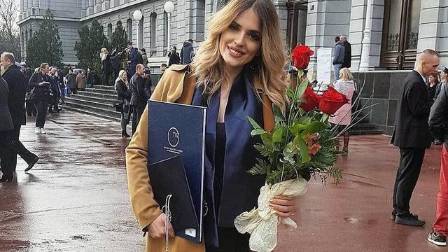 Pjevačica Colonije diplomirala je elektrotehniku u Zagrebu
