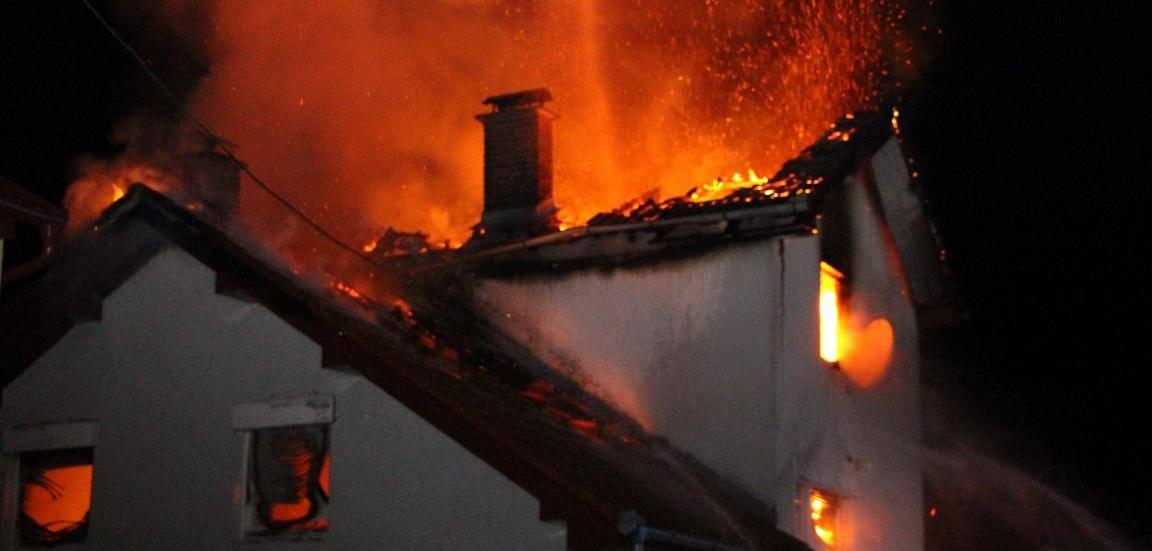 Požar vikendice: Dva muškarca i dječak izgorjeli dok su spavali