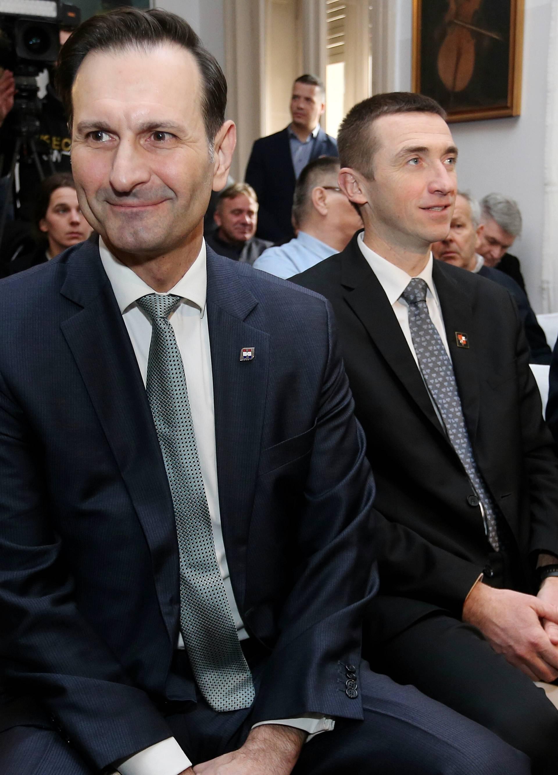 Miro Kovač, Ivan Penava i Davor Ivo Stier održali zajedničku konferenciju za medije